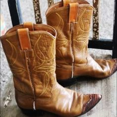 Vintage boots! These are awesome boots! They are a size 5.5 None Shoes Ankle Boots & Booties