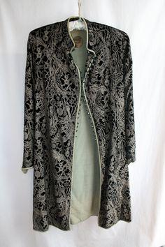 1920s Mariano Fortuny Black Stenciled Velvet Jacket