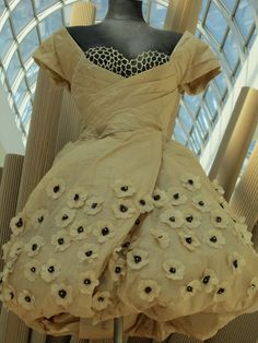 Berlin, Canada und überhaupt...: Haute Couture in Papür (☺☺☺) Brown Paper Couture i...