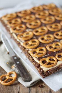 No-bake-Chocolate-Pretzel-Tarte with Peanutbutter and Caramel (No-bake-Schokoladen-Brezel-Tarte mit Erdnussbutter und Karamell) by http://dreierlei-liebelei.blogspot.de