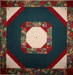 Christmas Wreath Wall Hanging #quilt tutorial by Tammy from BOMquilts.com