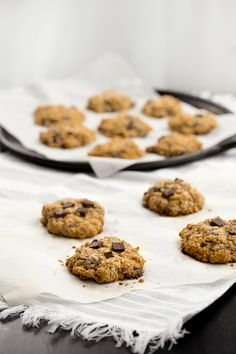 Chocolate Chunk Almond Oatmeal Cookies - Obsessive Cooking Disorder Oatmeal Cookie Recipes, Oatmeal Cookies, Tasty, Yummy Food, Cookies Ingredients, A Food, Food Photography, Baking, Desserts