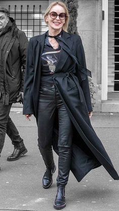 Sharon Stone in Paris, France on Tuesday Sharon Stone, Advanced Style, Iconic Women, Off Duty, Styling Tips, Veronica, Paris France, Color Splash, Tuesday