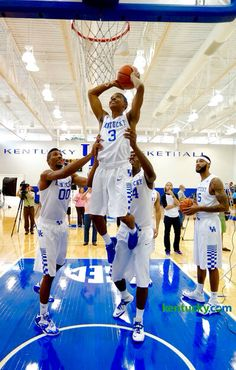 Tyler Ulis gets some help from his friends