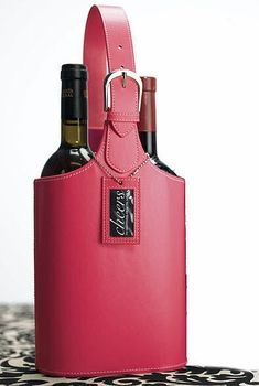There is a bag designed for every occasion! A wine tote bag, personalized.... oh la la...