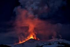 10 febbraio 2012, eruzione sull'Etna.  Foto di Mario Bucolo