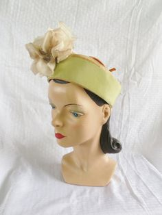 40's 50's Vintage Straw Pill Box Hat with Huge Flowers by Leslie James H.P. Wasson & Co Indianapolis on Etsy, $85.00