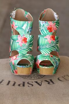 Vacation In Hawaii Strap Wedges