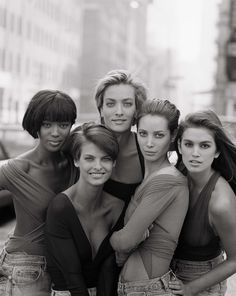 oh, how i loved this group when i was a teen...missing helena christensen and karen mulder...stephanie seymour...later on kate moss!