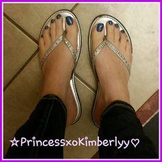 Pretty blue toes👑💎💙👣 #bluetoes #footmodel #footgoddess #footprincess #footfetishnation #footfetishgroup #pedicure #sexyfeet #sexytoesandfeet #footfetish #kissmyfeet #cutefeet #solesociety #prettytoes #longtoes #longtoenails #prettyfeet #prettytoes