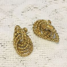 Vintage Gold Tone Twisted Rope Screw Clip On Designer Earrings