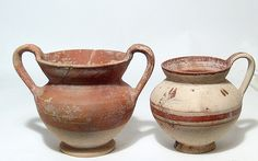 A pair of attractive Daunian pottery vessels