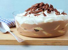 Milk Chocolate Banana Pudding recipe from Bobby Flay via Food Network Summer Dessert Recipes, Just Desserts, Delicious Desserts, Healthy Desserts, Breakfast Recipes, Dinner Recipes, Cold Desserts, Chocolate Banana Pudding, Banana Pudding Recipes