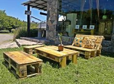 Wood Pallet Outdoor Seating