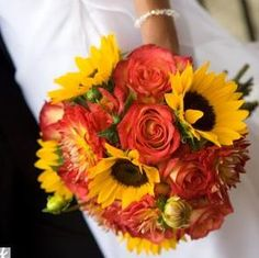 Thought this was pretty for Michelle.  Best Wedding Flowers: Fall Wedding Centerpieces