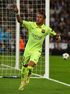 Neymar of Barcelona celebrates scoring the opening goal during the UEFA Champions League Quarter Final First Leg match between Paris Saint-Germain and FC Barcelona at Parc des Princes on April 15, 2015 in Paris, France.