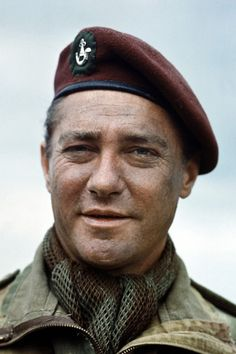 Richard Todd Born 11 June 1919 in Dublin, Ireland. Died 3 December 2009 in Little Humby, Lincolnshire, England. Classic Movie Stars, Classic Tv, Movie Theater, Movie Tv, Richard Todd, War Film, Royal Marines, King And Country, People Of Interest