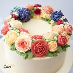 Learn how to make glossy Korean buttercream flower recipe and tips on how to get stable buttercream for buttercream flower piping.