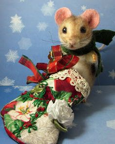 Needle Felted Art by Robin Joy Andreae: Chris Mouse