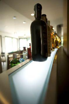 Bottigliera Red, Home Decor, Homemade Home Decor, Interior Design, Home Interiors, Decoration Home, Rouge, Home Decoration, Home Improvement