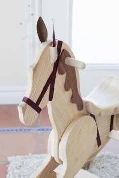 do it yourself divas: DIY Rocking Horse Pattern sold on link Rocking Horse Plans, Wood Rocking Horse, Wooden Horse, Rocking Chair, Wedding Table Layouts, Wood Toys Plans, Bois Diy, Horse Pattern, Hobby Horse