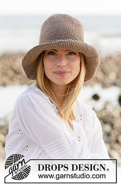 Garden Girl - Crocheted hat in DROPS Bomull-Lin or DROPS Paris. Piece is crocheted top down with double crochets. - Free pattern by DROPS Design Crochet Woman, Crochet Bee, Free Crochet, Crochet Hats, Crochet Granny, Drops Design, Knitting Patterns Free, Free Knitting, Crochet Patterns