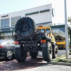 Jeep Cars, Jeep Truck, 4x4 Trucks, Custom Trucks, Cool Trucks, Extreme Off Road Vehicles, Mercedes Benz Unimog, Bug Out Vehicle, Lifted Cars