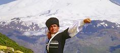 Кавказ - звучит гордо и величественно! Живописные места, горные вершины, первозданная красота природы, культура, традиции и обычаи - с Кавказом много