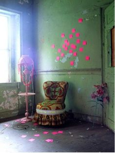 Leçon de couleur by Irina Graewe, how brighting up clours with contrasted post it