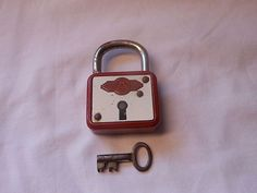 Antique Tin & Iron Red Padlock with Skeleton Key Logo on Front works fine