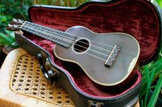 Vintage Martin Ditson ukulele 1922  Made in 1921 this Martin made ukulele has a Ditson stamp.