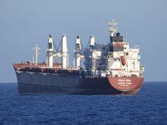 Puerto de Las Palmas. Gran Canaria     : Four Aida Vessel ...Buque de Carga fondeado en el ...