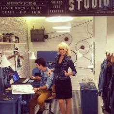 Presenter and model Adriana Abenia customised her denim jacket in our #PepeJeansCustomStudio