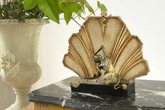 Lampa z figurą tancerki w stylu Art Deco / Lamp with Figure Dancers in Art Deco style
