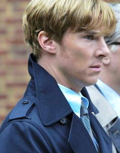 He's doing the thing, guys the Sherlock collar thing. #tinker tailor soldier spy#benedict cumberbatch