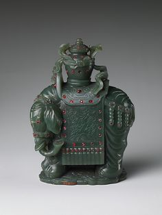 JP: Jade Elephant Carrying a Vase Period: Qing dynasty (1644–1911) Date: 18th–19th century