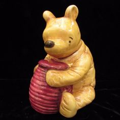 Classic-Disney-Winnie-The-Pooh-With-Honey-Pot-Bank-Charpente-5-5-034-Ceramic