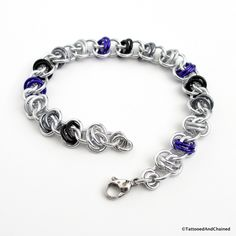 Asexual pride bracelet, chainmaille barrel weave