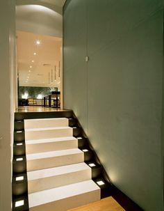 Escada com Iluminação Balizadora