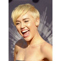 Miley Cyrus At Arrivals For Mtv Video Music Awards (Vma) 2014 Canvas Art - (16 x 20)