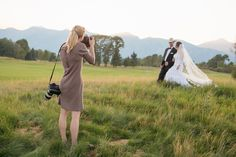 Photographers - this is an article for BRIDES but you can use these tips to make sure you are keeping these 5 things out of your wedding photos during post production!