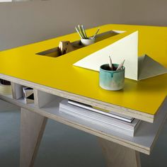 ARRé Design Insekt Desk #yellow // fun!!