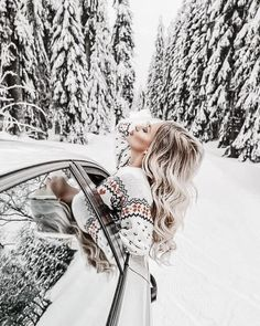 Windter Insta Mobile Presets Bright Holiday Presets XMAS presets Winter Presets Warm Presets New Year Presets Rich Vibrant Presets Snow Photography, Portrait Photography, Camping Photography, Mode Au Ski, Winter Instagram, Poses Photo, Photo Portrait, Portrait Pictures, Winter Pictures