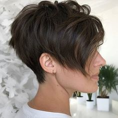 100+ Best Pixie Cuts and Pixie Cut Hairstyles You'll Want to See Pixie Haircut For Thick Hair, Short Pixie Haircuts, Short Hair With Bangs, Pixie Hairstyles, Short Hairstyles For Women, Hairstyles With Bangs, Short Hair Cuts, Short Hair Styles, Pixie Cuts