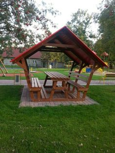 Cool bench picnic table with roof