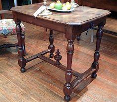 Small Table – Au Vieux Paris Antiques