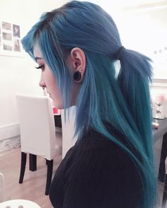 Blue long hair extensions by krispuuh