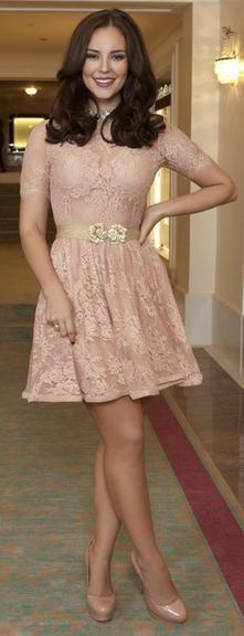 Confira 30 looks de Paolla Oliveira e inspire-se no estilo da atriz!