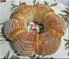 Pane Italiano -Couronne Ciabatta, Pizza E Pasta, Bread Shaping, Bread Bun, Recipe Collection, Italian Recipes, Bread Recipes, Bakery, Berries
