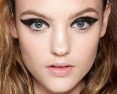 Makeup how to: Lanvin's dramatic cat eyes